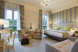 Hotel Barriere Le Westminster : Chambre Triple Exécutive