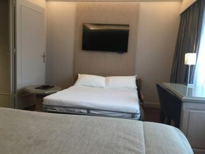 Hotel Charlemagne : Chambre Familiale