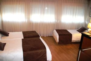 Hotel Saint-Hubert : Chambre Triple