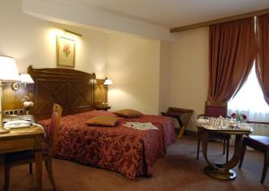 Hotel The Originals Tournus Le Rempart (ex Qualys-Hotel) : Chambre Double Privilège