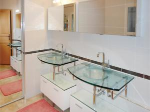 Hebergement Five-Bedroom Holiday Home in Valmascle : Maison de Vacances 5 Chambres