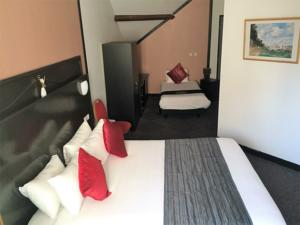 Comfort Hotel Apollonia St Fargeau/ Fontainebleau Nord : Chambre Triple