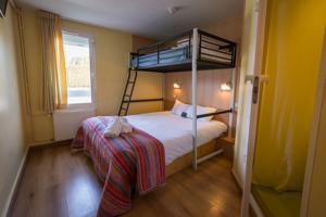 Fasthotel Annecy : Chambre Triple