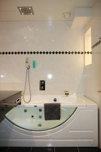 Hotel Henry II Beaune Centre : photos des chambres