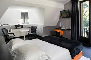 Hotel-Restaurant Herve Busset - Domaine de Cambelong : Suite Junior