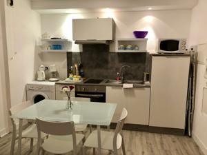 Appartement Studio Confort Centre Parking Gratuit : Studio