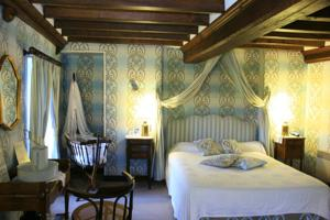 Hebergement Hotel The Originals Le Chateau de la Roque (ex Relais du Silence) : Chambre Double Deluxe