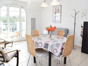 Appartement Two-Bedroom Apartment Hauteville-Sur-Mer with Sea view 01 : photos des chambres