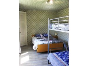 Chambres d'hotes/B&B chambres d hotes chateau d arcis : Chambre Familiale Standard