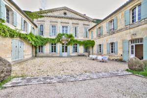 Chambres d'hotes/B&B Chateau Rambaud by Weekome : Suite Supérieure Lit King-Size