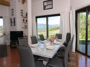 Hebergement Four-Bedroom Holiday Home in Chatillon en Diois : photos des chambres