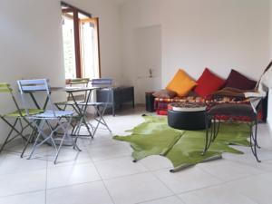 Appartement Charming flat in la Turbie village : photos des chambres