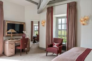 Hotel Chateau Lafaurie-Peyraguey by LALIQUE : Suite