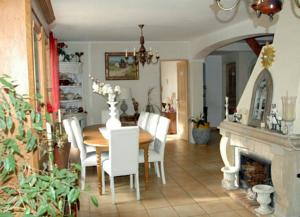 Hebergement Holiday villa with private pool near Aix en Provence : photos des chambres