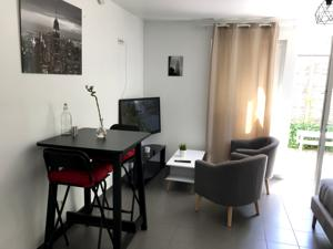 Appartement Studio 10min Geneve Aeroport : photos des chambres