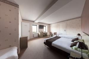 Hotel Restaurant Laurent Perreal : Chambre Familiale