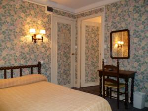 Hotel Paris-Barcelone : Chambre Simple