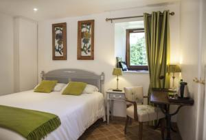 Chambres d'hotes/B&B Le Colombier : Chambre Double