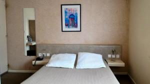 Hotel Logis Arcombelle : Chambre Double