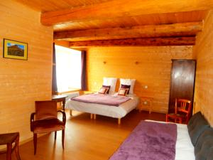 Chambres d'hotes/B&B Chambres d'Hotes a Rieutord : Grande Chambre Double