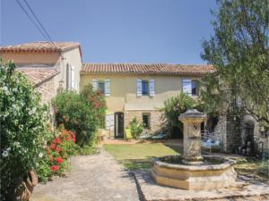 Hebergement Six-Bedroom Holiday Home in Mondragon : photos des chambres