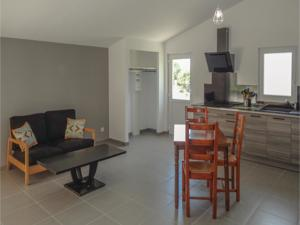 Hebergement Two-Bedroom Holiday Home in Le Pouget : Maison de Vacances 2 Chambres