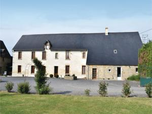 Hebergement Three-Bedroom Holiday Home in Canchy : photos des chambres