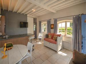 Hebergement Holiday home Chemin Denys Amiel : photos des chambres