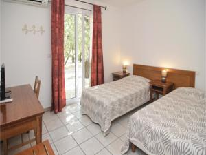 Hebergement Holiday home Courry *LII * : photos des chambres