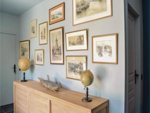 Hebergement Six-Bedroom Holiday Home in Gonneville-sur-Honfle. : photos des chambres
