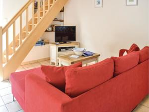 Hebergement Three-Bedroom Holiday Home in Montpinchon : photos des chambres