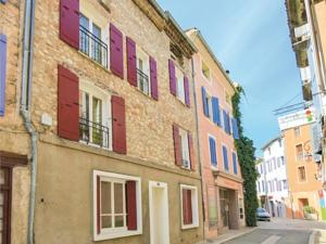 Hebergement Three-Bedroom Holiday Home in Buis Les Baronnies : photos des chambres