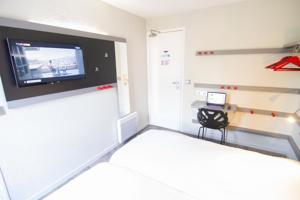 Enzo Hotels - Trappes : Chambre Lits Jumeaux
