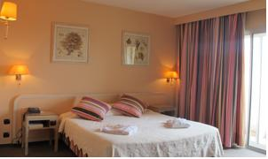 Hotel The Originals Perpignan Le Mas des Arcades (ex Qualys-Hotel) : Suite