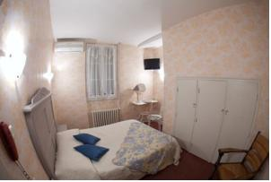 Hotel Le Coq d'Or : Chambre Double