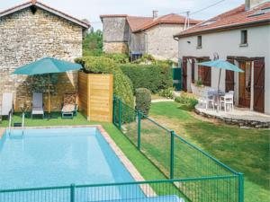 Hebergement Three-Bedroom Holiday Home in Courcelles sur Blaise : photos des chambres