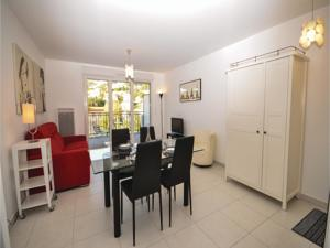 Appartement One-Bedroom Apartment in Aspremont : Appartement 1 Chambre