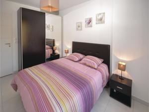 Appartement One-Bedroom Apartment in Aspremont : photos des chambres