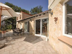 Hebergement Four-Bedroom Holiday Home in Malegoude : photos des chambres