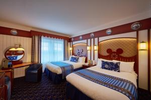 Hotel Disney's Newport Bay Club® : Chambre Club Compass (1 Adulte + 3 Enfants)