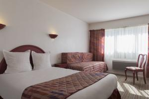 Hotel The Originals Lille Ouest Belle Hotel (ex Inter-Hotel) : Chambre Double