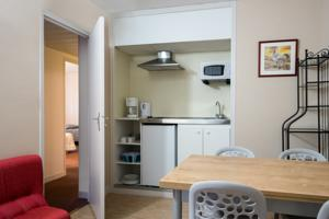 Hotel The Originals Quillan Cartier : Appartement