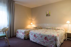 Hotel The Originals Quillan Cartier : Chambre Triple