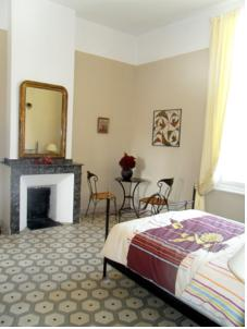 Chambres d'hotes/B&B L'Hermitage : Chambre Double Confort
