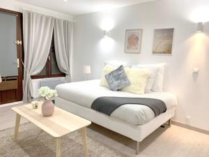 Chambres d'hotes/B&B Beautiful apartments center of Paris : Chambre Double Deluxe