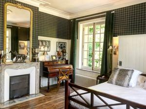 Chambres d'hotes/B&B Clos Barthelemy-Chateau d'Eterpigny : Chambre Double Deluxe avec Balcon