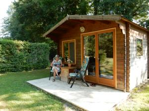 Hotel Camping Sur Yonne : Chalet