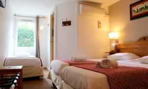 Hotel The Originals Porte de Geneve Annemasse Sud (ex Inter-Hotel) : Chambre Triple