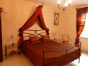 Chambres d'hotes/B&B Chambres d'hotes Les Fuyes : Chambre Triple