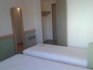 Hotel ibis budget Grenoble Voreppe : Chambre Lits Jumeaux